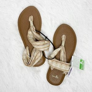 SANUK / yoga mat tan aztec tribal sling sandals